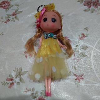 値下げ女の子人形黄色ドレスキーホルダー付き未使用品✨