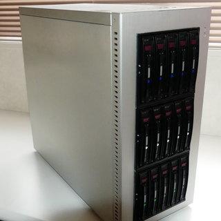 大容量HDDが搭載可能な PCサーバー
