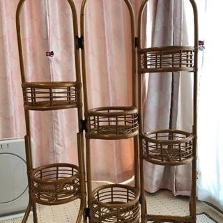 美品 格安  籐家具 花飾り棚