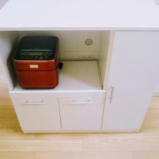 ③短期間使用のキレイなキッチンボード