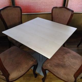 四人掛け ダイニング テーブル まだまだ形もなく十分使っていただけます。