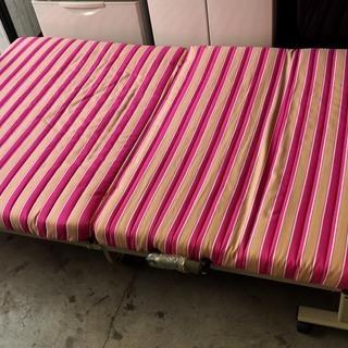 折り畳みベッド セミダブルサイズ *N*