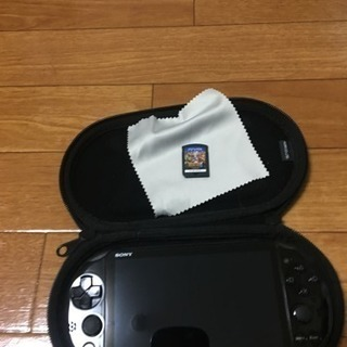 psvita ケースとソフト付き!!