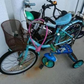 子供用自転車3台と三輪車