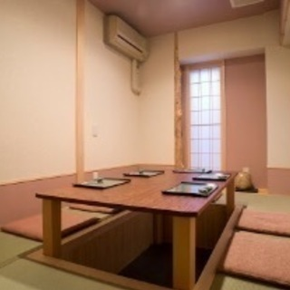 祇園の寿司屋でホールスタッフ募集 − 京都府