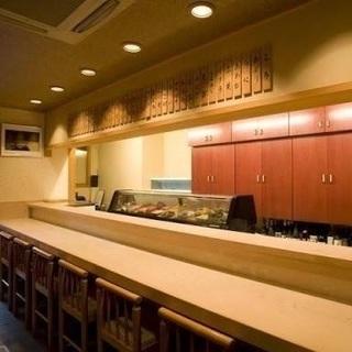 祇園の寿司屋でホールスタッフ募集 - 京都市