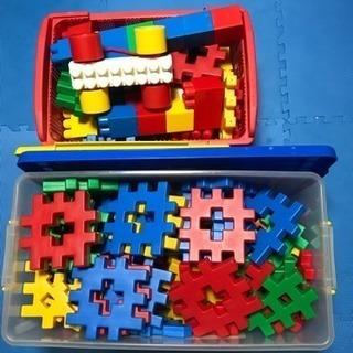大きなブロック。教育を受ける玩具。