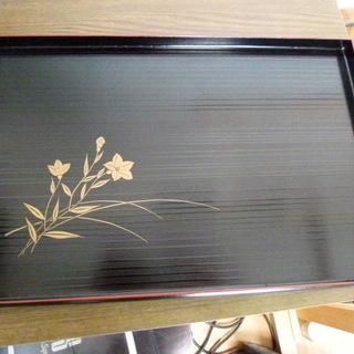 大幅値下げ 高級長手お盆 木製 花柄 黒 未使用品