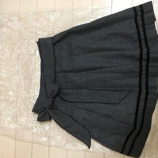 グレー スカート シンプル 上品 かわいい