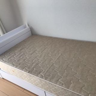 シングルベッド譲ります。マットレス付き。
