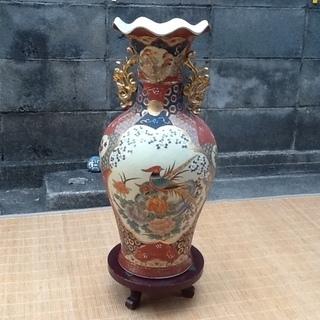 【珍品三千円】中国で買ってきた大きな壺、花瓶と木製の台 素敵に飾ってください 配達も可 - 売ります・あげます