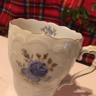 ドイツ製 陶磁器のブルーローズ アンティークカップ