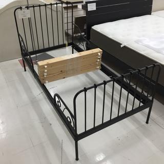 取りに来て頂ける方限定!IKEAの伸縮式子供用ベッドのご紹介です!