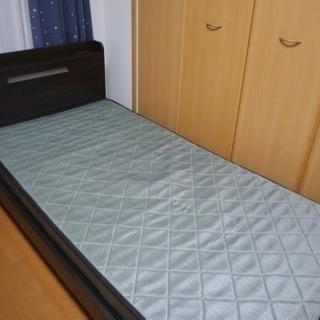 シングルベッド 二台