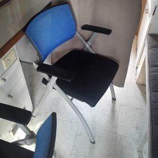オフィスチェア2個セット。ミーティングチェア、椅子、イス