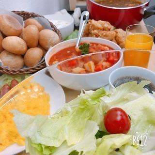 軽食ビュッフェ(ドリングバー付)の店よるカフェ足立梅田店