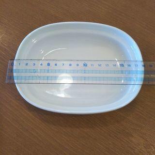 白いグラタン皿