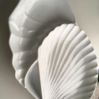 フランス製 白い陶磁器 シェルのおもてなしプレート