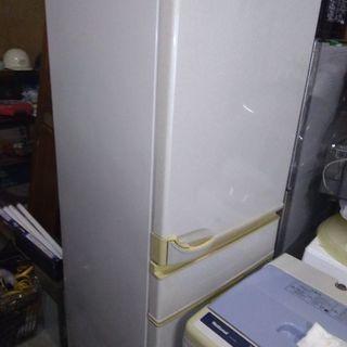 冷蔵庫、お譲りいたします