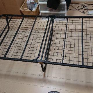 軽量折り畳み式ベッド