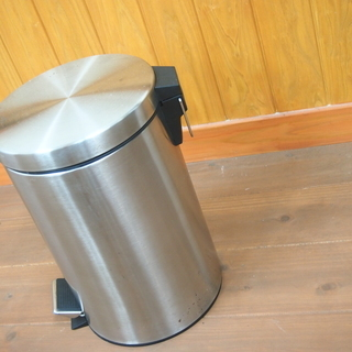 ステンレス ゴミ箱 足で開きます!40㎝