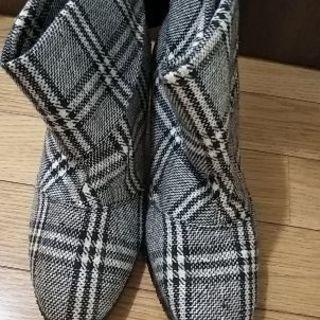 新品未使用24,5cmショートブーツ