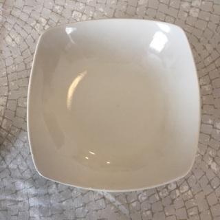 磁器製 変形小鉢 ホワイト