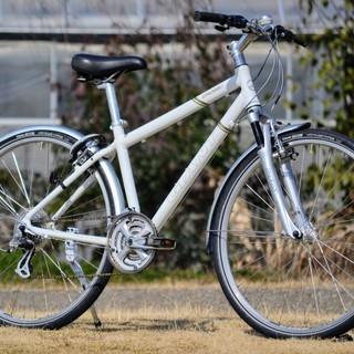 GIANTアルミフレームクロスバイク フロントサスペンション装備...