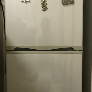 冷蔵庫を差し上げます! 143L 2ドア