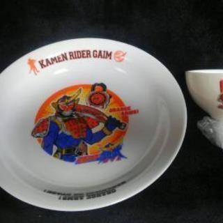 再投稿です。陶器製 子供用食器セット 仮面ライダーガイム