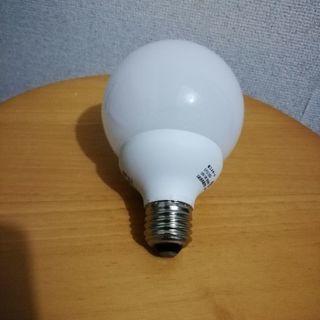 丸い電球形蛍光灯 E26    2個あります。