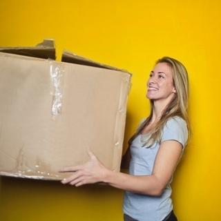 お引越しお手伝いします!安心の箱型1.5tトラックで作業します。...