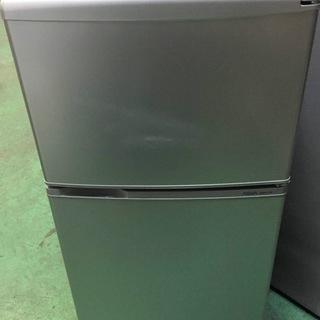 【送料無料・設置無料サービス有り】冷蔵庫 AQUA AQR-11...