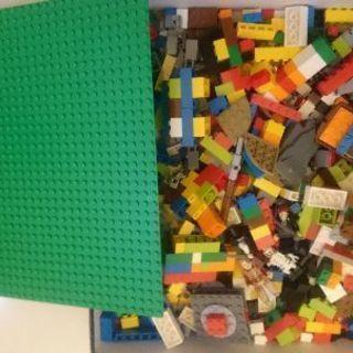 LEGOレゴ、ロボットやパイレーツの部品あり