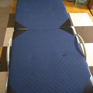5段階リクライニング折り畳みベッド