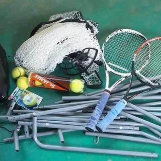 テニスの自動球出し機