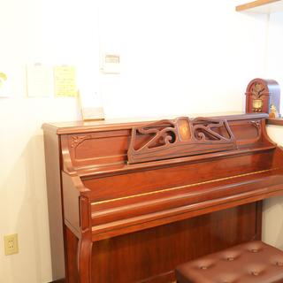 この道50年のプロ講師!未経験からショパンまでを楽しむ本屋のピアノ教室