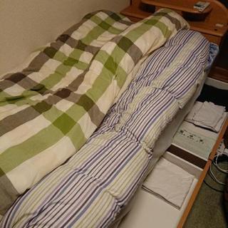 ベッド、マットレス、敷布団、かけ布団(厚)、かけ布団(薄)