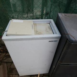 【ジャンク】冷凍庫(使用不可)