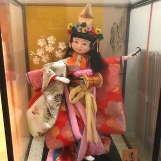 ○ケース入りお人形