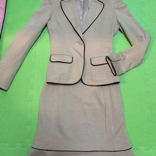 美品 超ストレッチデザインスカートスーツ M