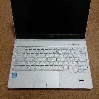 富士通FMVS75B3W 第8世代Core i5 SSD128G