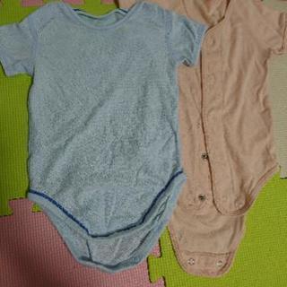 UNIQLOと赤ちゃん本舗 肌着ロンパース