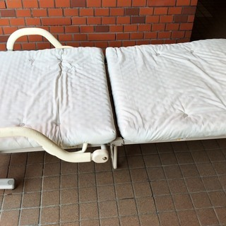 折り畳みベッド リクライニング付き