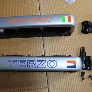 TERZOの1BOX背面ラダー用スキー・スノーボードキャリアー