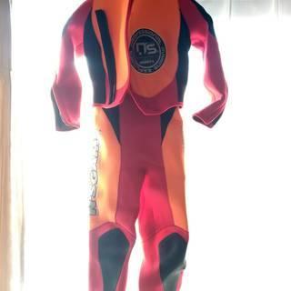 スクーバダイビング用 ウェットスーツ