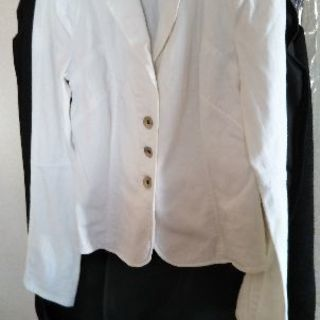 白ジャケット(アルマーニエクスチェンジ)