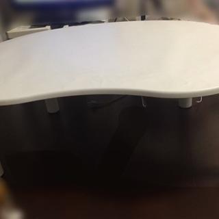 ニトリ ホワイト ビーン型ローテーブル