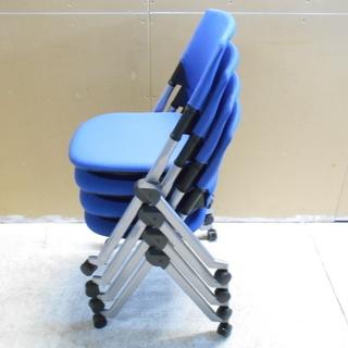 オカムラ リタ キャスター付きスタック椅子4脚セット『良品中古』複...