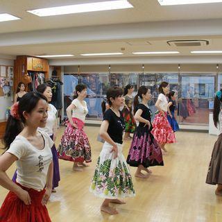 【寝屋川市駅前で楽しくフラダンス】平日夜のクラスと日曜午前のママ...